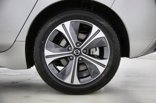 NISSAN NEW LEAF 40 KWH | Tekna | 2-Tone | Leather-Alcantara | Bose | Apple Car Play | Lane Keep Assist | Blind Spot Warning | DAB+